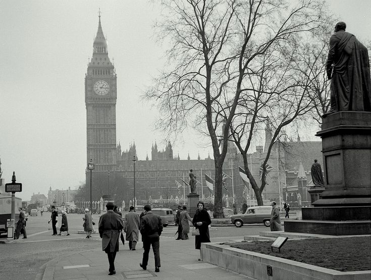 This old picture of London, England looks so classic in black and white. #TrollbeadsWorldTour