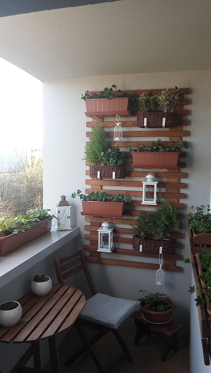 Maly Balkon W Bloku Home And Garden Plant Stand House Design