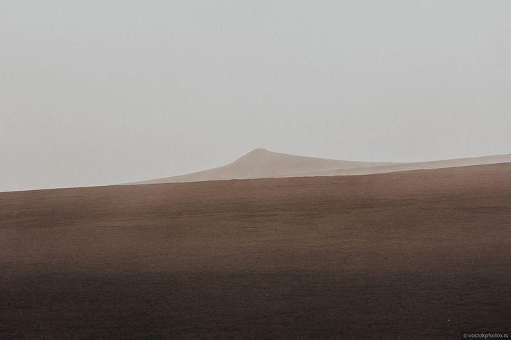 Лавовый поток вулкана Толбачик, гора Камень и Ключевская сопка