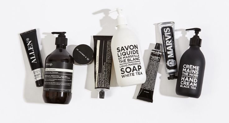 Black & White Liquid soap, hand cream and scented candles by COMPAGNIE DE PROVENCE.