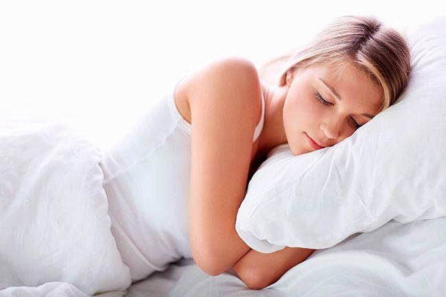 De la cama americana al box spring. ¿Con cuál te quedas? Consejos y decoración en el blog de Muebles Rey https://www.mueblesrey.com/blog/