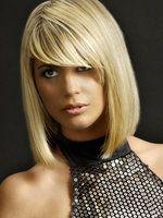 Nicole-richie-mit-langer-hellblonder-bob-und-schraegem-pony_439_1_