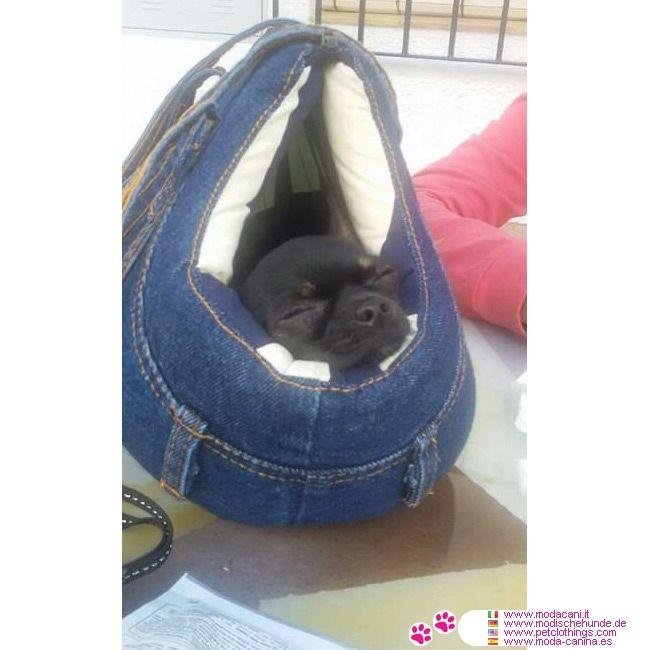 Jeans Tasche für kleine Hunde #Hunde #Chihuahua - Gepolsterte Tasche für kleine Hunde aus Jeans mit Seitentasche und Schlaufen, mit einem sehr weichen Polsterung (synthetischer Watte); voll waschbar