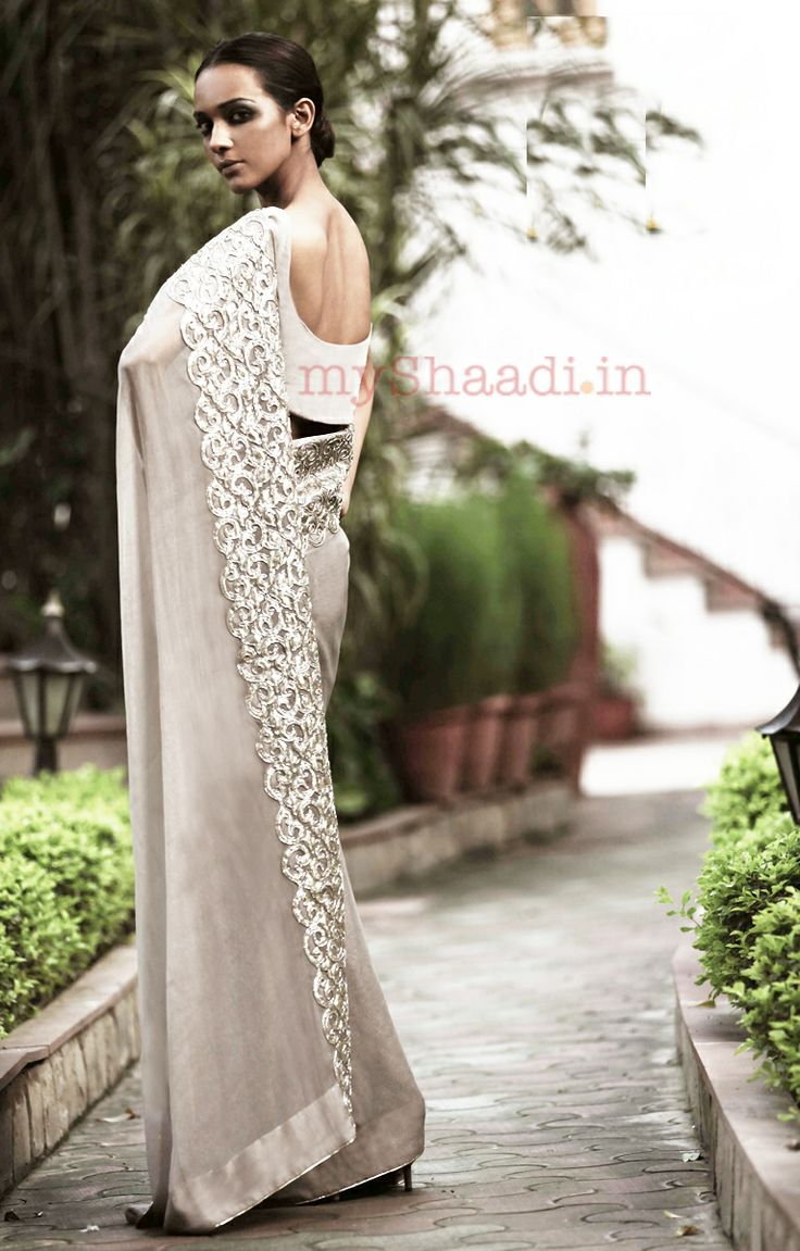 Very elegent saree by Priyal Prakash. #saree #sari #blouse #indian #hp #outfit #shaadi #bridal #fashion #style #desi #designer #wedding #gorgeous #beautiful