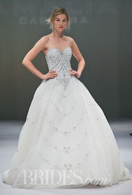 Oscar de la Renta - Spring 2015 - Strapless lace and silk bridal gown