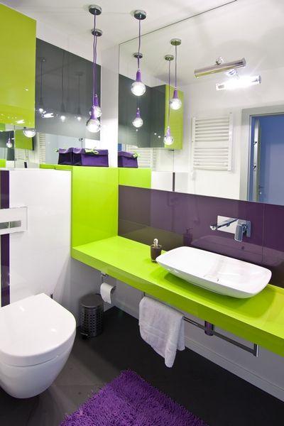 Mała łazienka aranżacja łazienki z dużymi lustrami