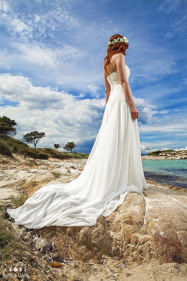 The Quenn of a Sea.  Wedding photographer in Santorini - Alexander Hadji. More photos from the photosoot: hadjiphoto.com Book your photo shooting: info@hadjiphoto.com +306951661016