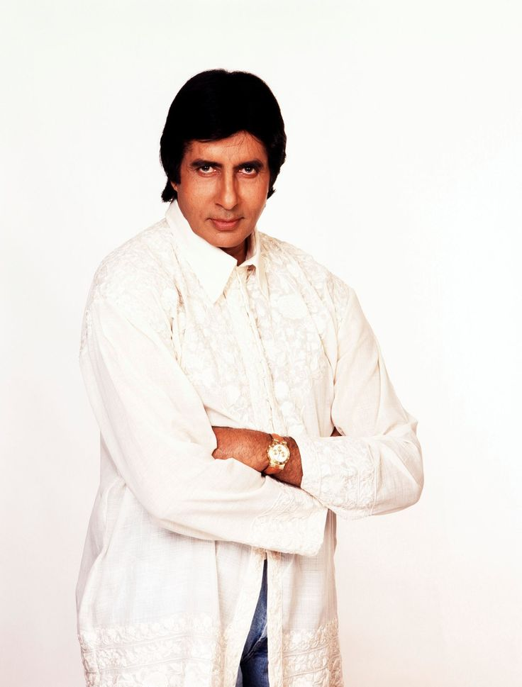 Bollywood's megastar Amitabh Bachchan started his Bollywood career in 1969. But even after doing many films, the legendry actor was not getting roles. Check out how Manoj Kumar helped Big B.