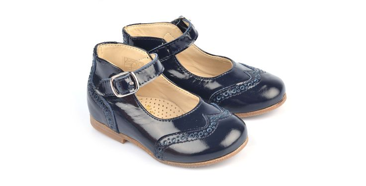 360/Vernice Blue Ballerina in vernice blu, suola in cuoio. #galluccishoes #kids #shoes #ballerine #vernice #babygirl #SS16