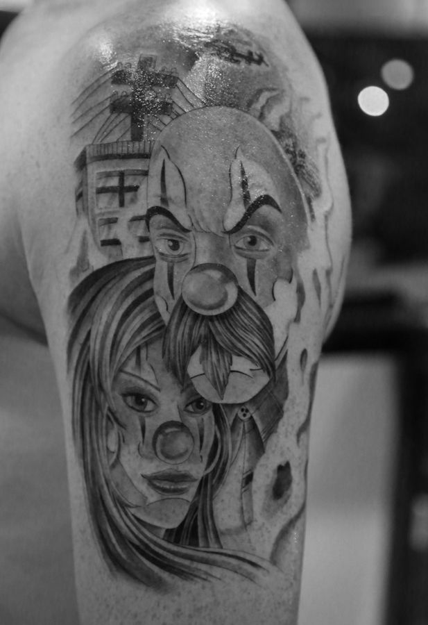 the 25 best clown tattoo ideas on pinterest scary clown drawing creepy drawings and jester. Black Bedroom Furniture Sets. Home Design Ideas