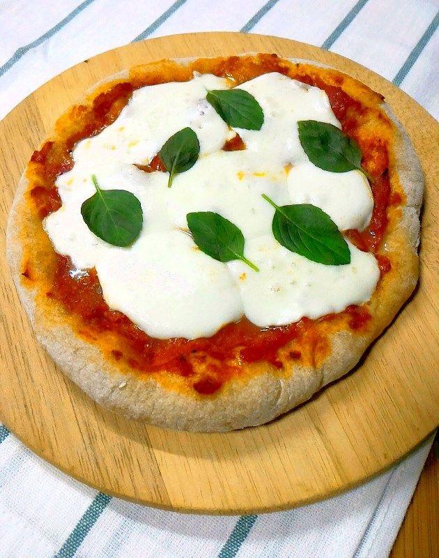 """Como vocês já devem estar cansados de saber, pizza é assunto seriíssimo para os Carpinelli. Nossa """"famiglia"""" conta com um membro que degusta as redondas todas as noites há mais de 40 an…"""