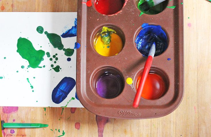 melted crayon art : crayon painting
