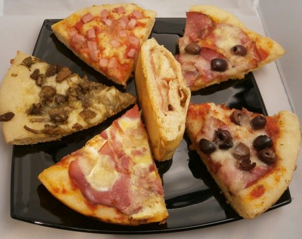 Pizza cotta in pentola con coperchio magic cooker