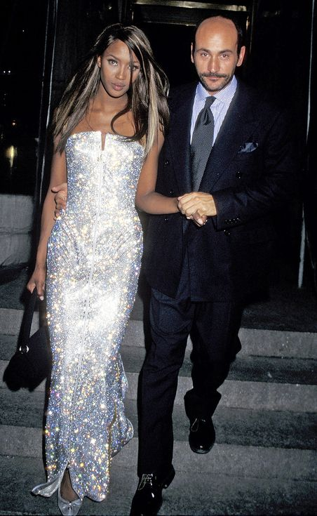 Ultimate Met Gala Throwbacks: Amazing Looks You've Totally Forgotten About | People - Naomi Campbell in 1995