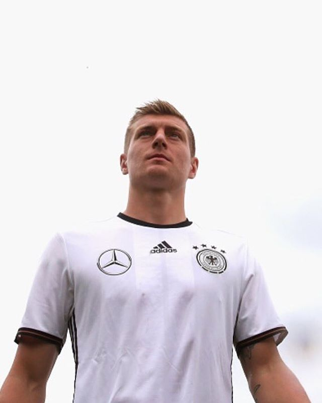 Pin for Later: Hier findet ihr die deutsche Fußballmannschaft auf Instagram Toni Kroos