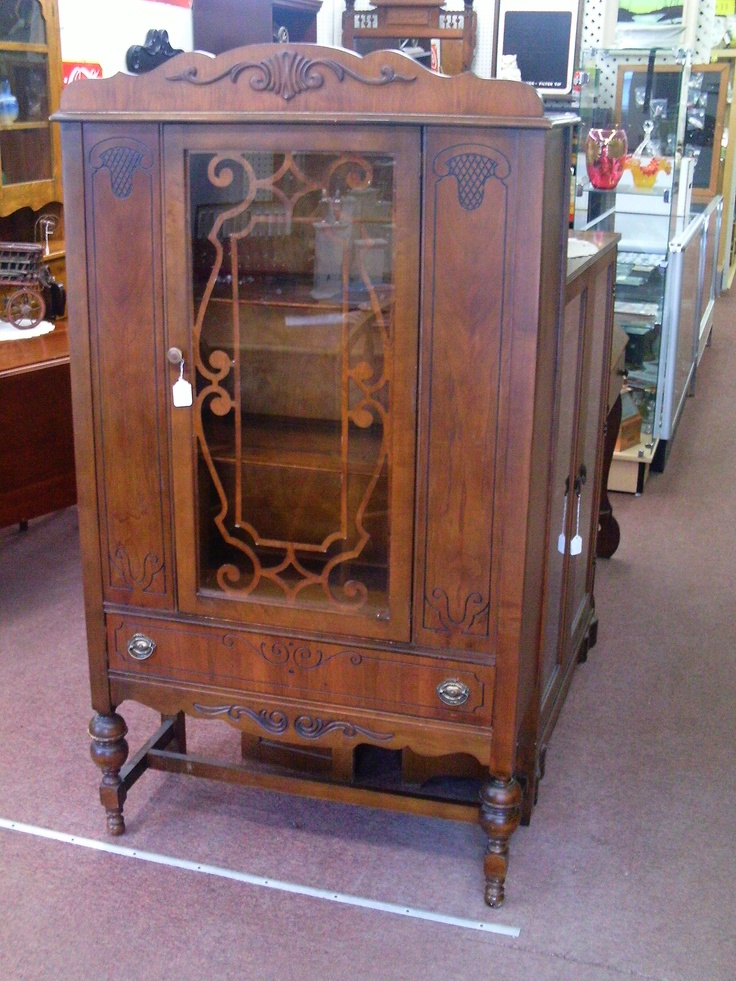 nice china cupboard in grr8 shape $ 145.00