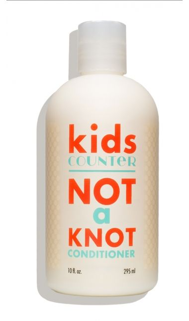 Detangle hair with our gluten- and nut-free formula, made with super-emollient safflower seed oil, plus carrot root extract for extra-gentle conditioning. Bonus? A hint of citrus oils and vanilla extract gives the conditioner a creamy orange-vanilla swirl scent that kids will love.