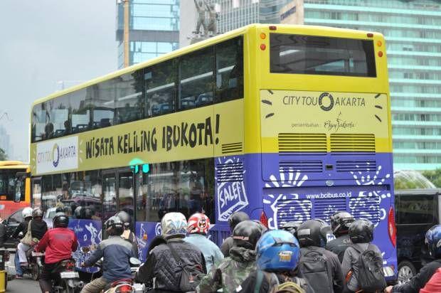 Yuk, Naik Bus Tingkat Keliling Jakarta