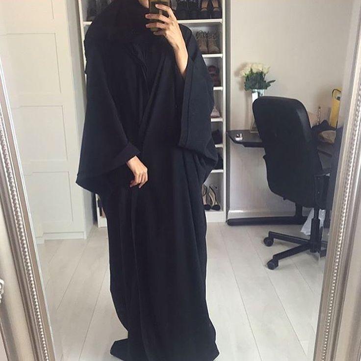 IG: UmaymaOfficial || IG: BeautiifulinBlack || Abaya Fashion ||