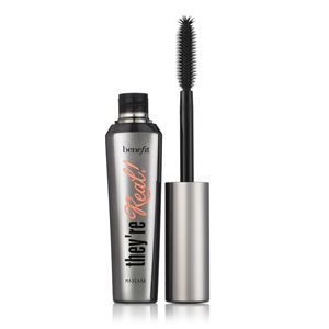 I'm forever trying mascara for my tiny lashes and this is the best I've found.