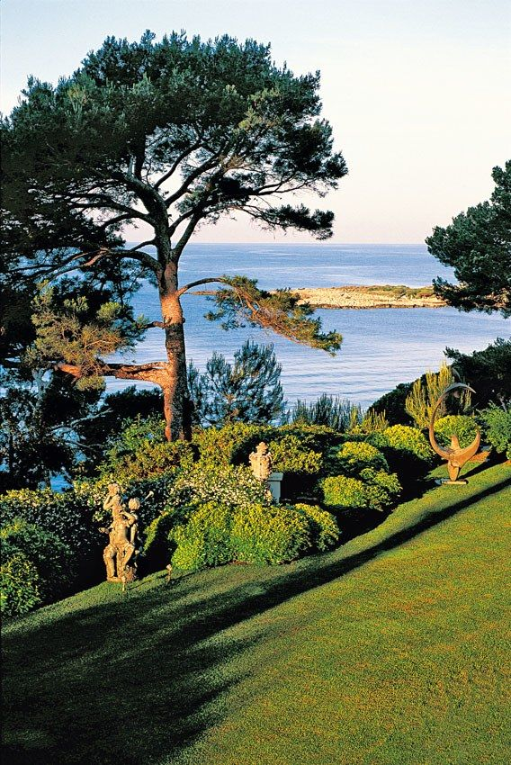 5 of the Most Beautiful Gardens in the Mediterranean Photos | Architectural Digest cap d'Antibes France