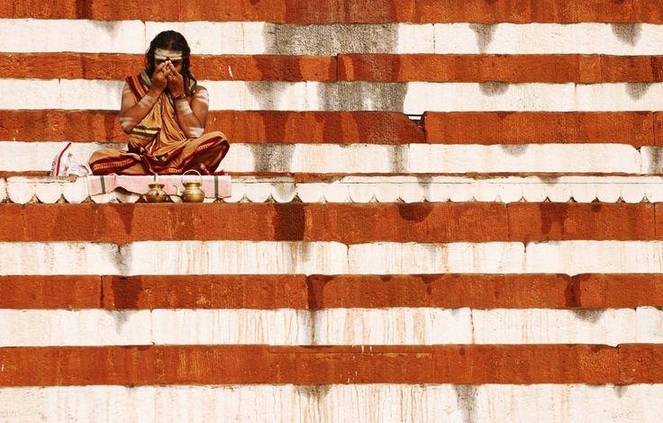 Marcin Ryczek, The United States of India  (2010)  #photoinspirations #artisticphotography #artmarket #limitededition #artistoftheday #photography #fineart #collectorsphotography #buyart  #red #unitedstates #india