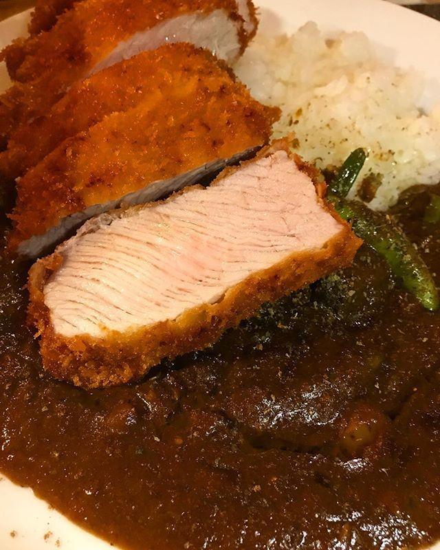 本日15日は早い時間はほぼ満席となっております。21時以降でしたらお席確保できる場合もございます。 ご来店の際はお手数ですがご確認ください。 宜しくお願いします  #steak  #ステーキ  #ステーキ日本一  #肉魂 #カツカレー #肉テロ  #肉 #肉フェス #トンカツ #ハンバーグ #レバ刺し #肉  #肉スタグラム #牛肉 #肉しか信じない #低糖質 #ダイエット #横浜 #弘明寺 #生レバー #肉大好き #牛タン #生肉 #カレー  #飲むハンバーグ #ネコネズ #nekonez #肉フェス #スープカレー #ねこ娘とねずみ男