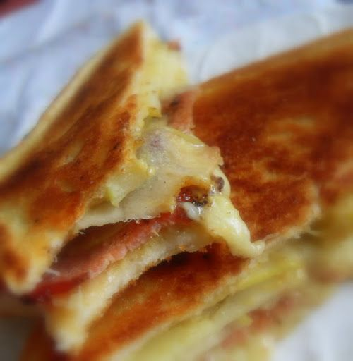 Grilled Apple, Bacon and Cheese Sarnie Recipe on Yummly. @yummly #recipe