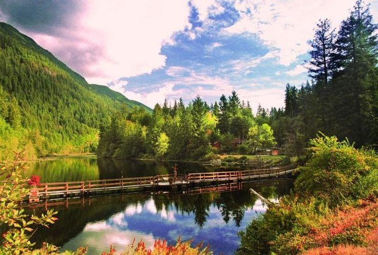 Ruby Lake Resort - cabins and safari tents - Sunshine Coast BC