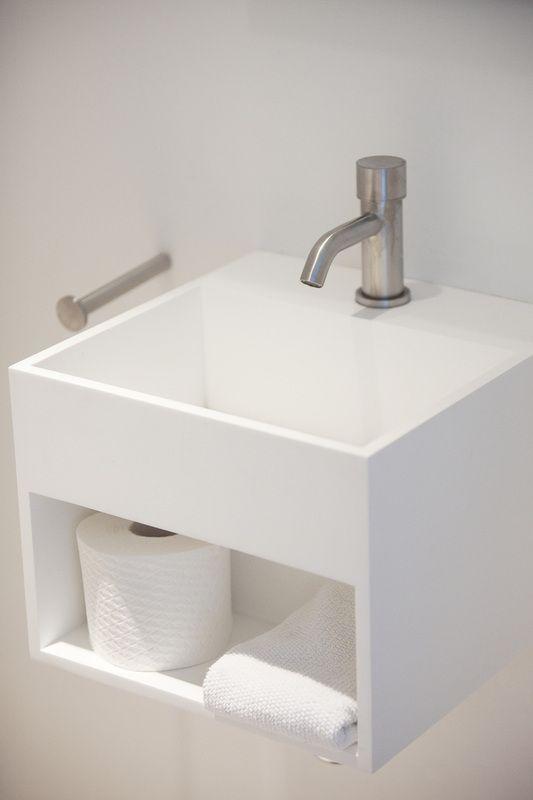 Impressies - Cocoon Design :: RVS Kranen, solid surface baden, wasbakken en design sofa's Pour éviter de surcharger le petit wc