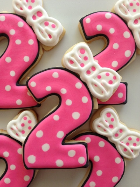 Minnie Mouse Birthday Cookies! @krystel rheaume rheaume rheaume rheaume Gutierrez For Pea's birthday!