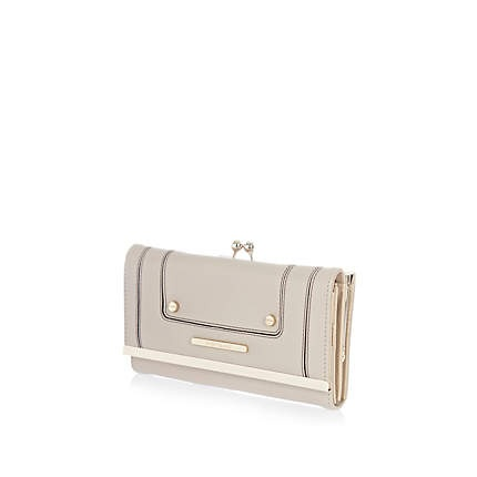 Silver stud clip top purse £17.00