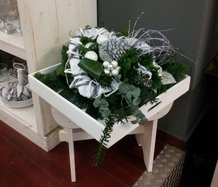 Doe ook mee aan een workshop bloemen schikken!   Mata hari bloemen Leeuwarden Friesland