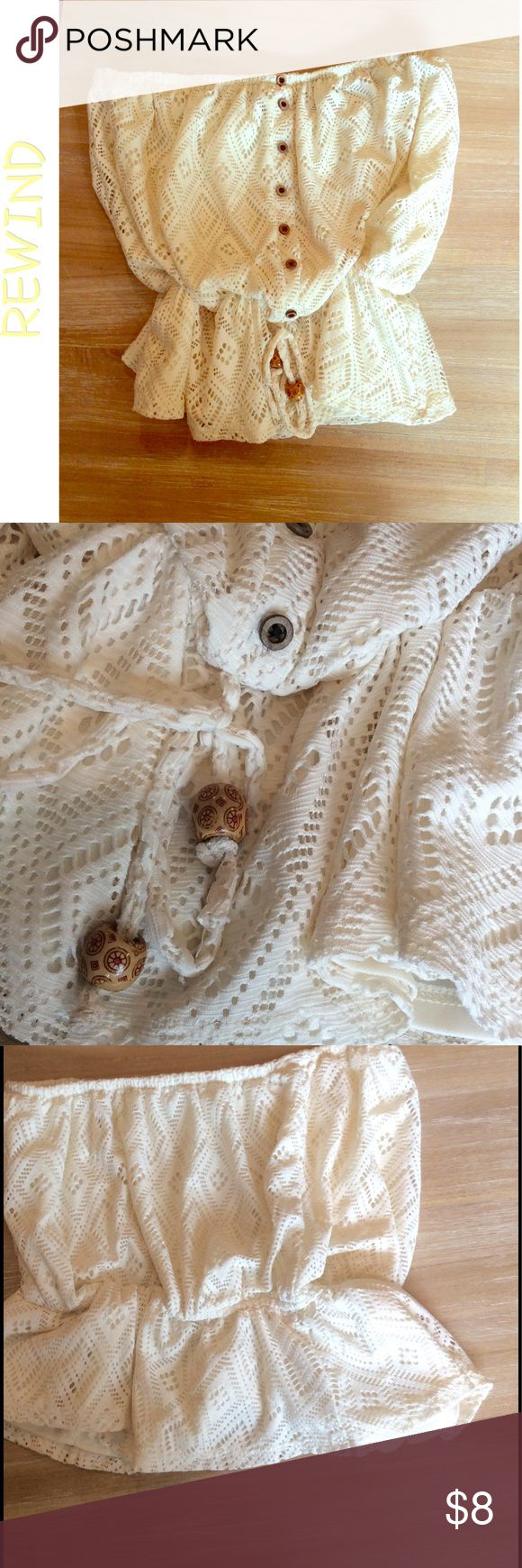 3 for $25🎁REWIND Crochet Tube Top - Mint ✖️Firm unless bundled✖️Gorgeous bohemian cream colored overlay crochet tube tub. Fully lined . Wood buttons ( just for embellishment) and adjustable drawstring waist adorned with large boho style wooden beads . Excellent condition. Rewind Tops