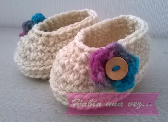 Baby girl knitted shoes on Etsy, US$8,00