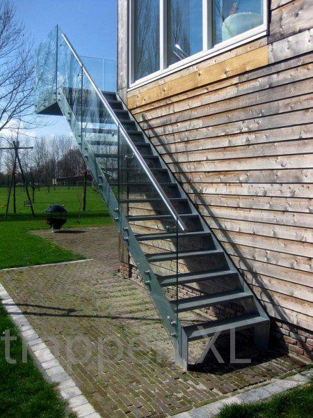 #Buitentrap met #glazen_balustrade