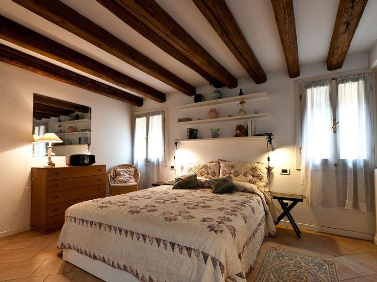 Location vacances appartement Venise: Large comfortable bedroom...