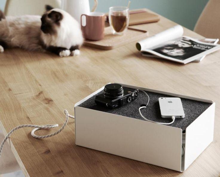 """Hilft gegen Kabelsalat: """"Charge Box"""" von Konstantin Slawinski - Bild 12 - [SCHÖNER WOHNEN]"""