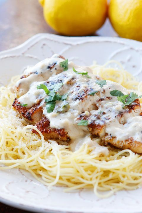 Love crispy garlic chicken and buttery lemon noodles? You will love this creamy Lemon Chicken Pasta Recipe! Try with spaghetti squash. Looks pretty easy