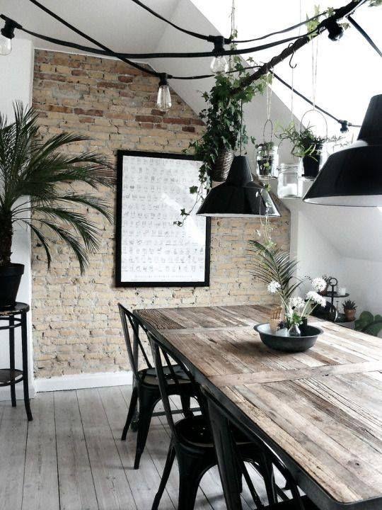 Table bois + chaises indus