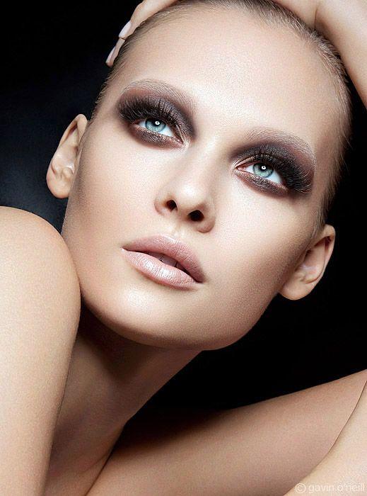 Vogue Australia October 2010  Model: Victoria Zuban   Photographer: Gavin O'Neill *Like the pose*