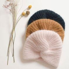 A la rédac, nous avons eu gros coup de coeur pour le turban en laine de la collection Hiver Des Petits Hauts. On vous propose de le tricoter grâce au tutoriel de Anne Bermond.