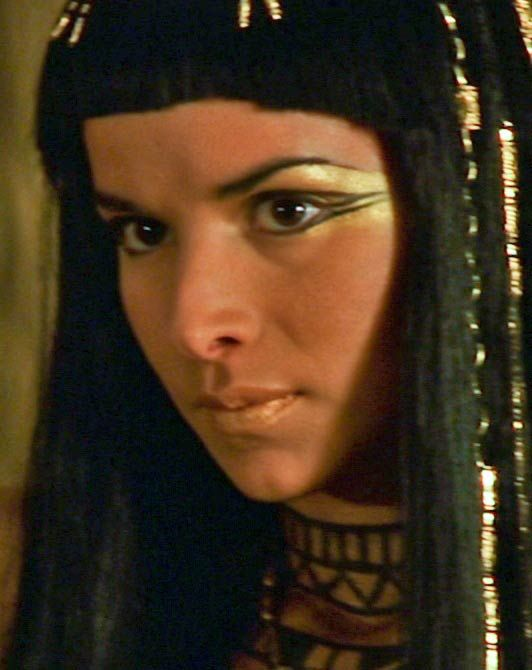 Eyeshadow Tut: Egyptian Makeup... @kaylajoughin This Is Kinda What I