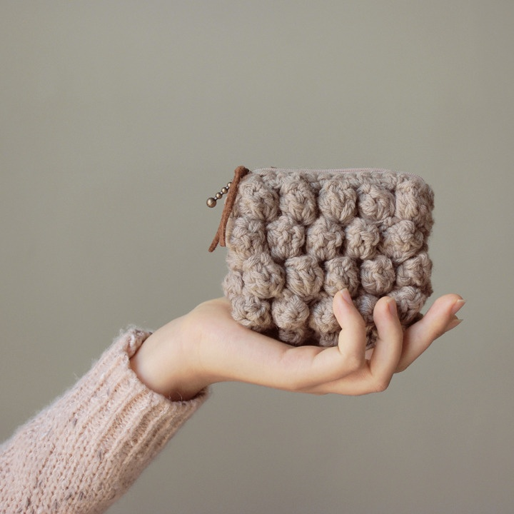 Simple Crochet Clutch - Greyish Beige - Nawanowe