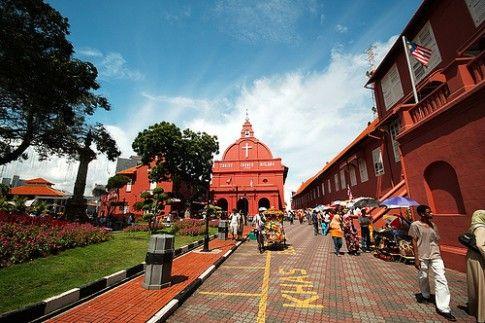 Explore Singapore, Kuala Lumpur, Malaka for 4D3N Only 3jt-an
