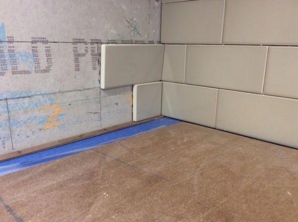 Proper Way To Fold An Inside Corner On Subway Backsplash Ceramic Tile Advice Forums John Bridge Cer Subway Backsplash Backsplash Ceramic Tile Backsplash