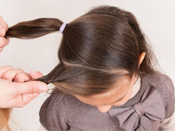 """¿Quieres hacerle un lindo peinado a tu niña? Aquí te enseñamos paso a paso como hacer este """"Torcido de la media luna"""", el cual es muy fácil. #peinadosdefiesta"""