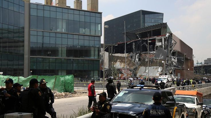 mexico shopping mall collapse