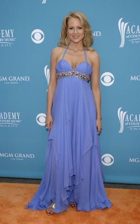 Jewel Kilcher - Jewel Glams Up the Academy of Country Music Awards