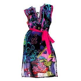 TOMEL - Cette robe de plage peut sans aucun doute être portée dans les rues. Découvrez la sur http://www.tomelapp.com/